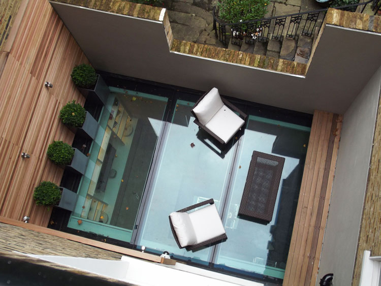 About specialist glass laminates